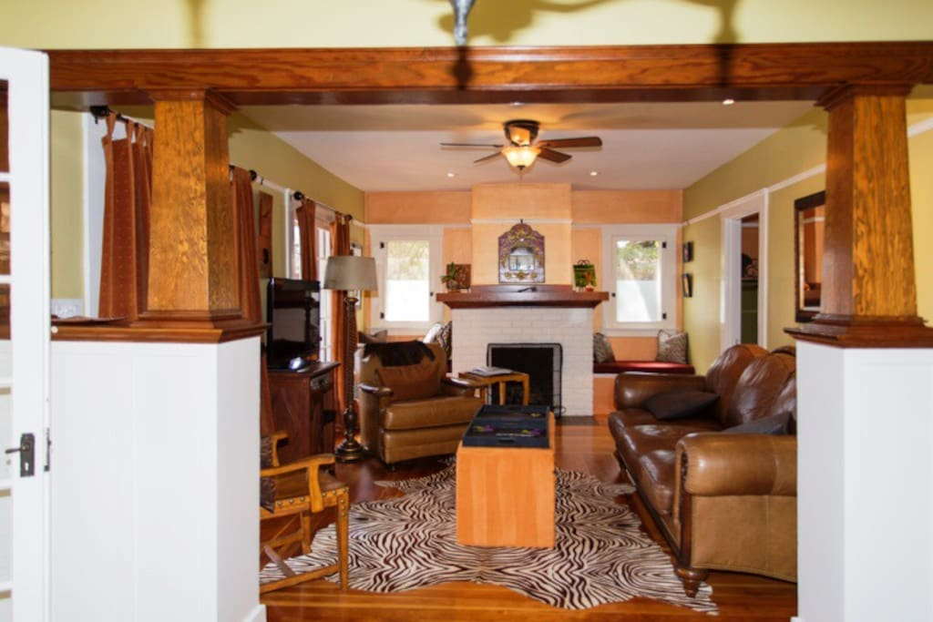 Living Room w/Fire Place