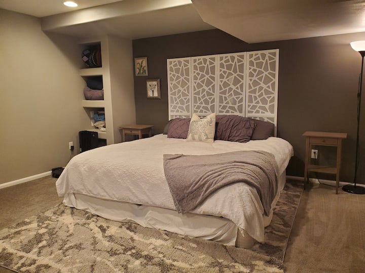 Rockrimmon Basement Suite with Gym