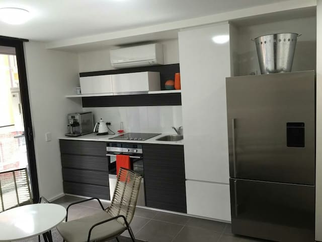 Brand New Zen2 Apartment! - Adelaide - Apartment