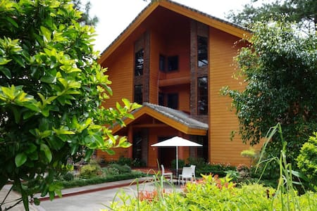 Unit B3, Forest cabin, Camp johnhay - Baguio