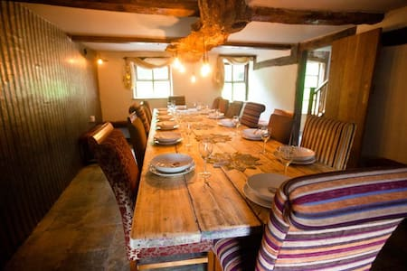 Beautiful  Welsh longhouse retreat - Llanbrynmair - Huis