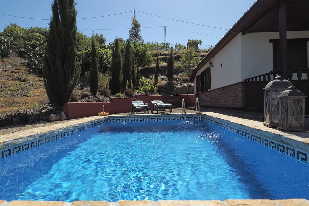 Casa con piscina privada lago casas en alquiler en for Casas con piscina en malaga