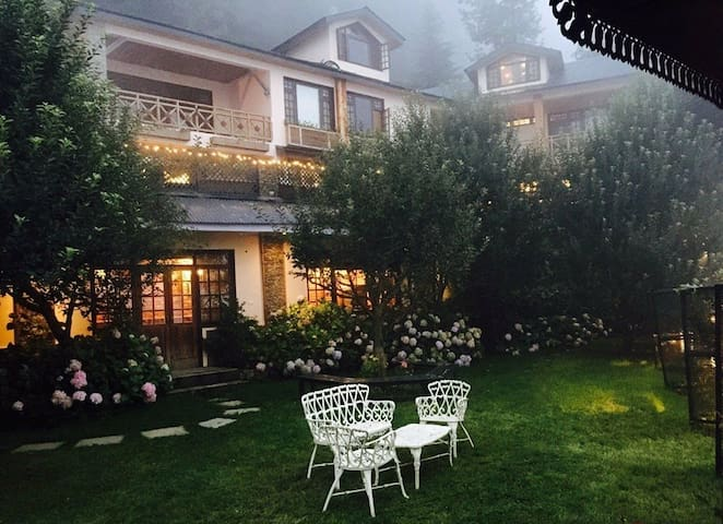 Mahasu House, Mashobra, Shimla. - SHIMLA - Bed & Breakfast