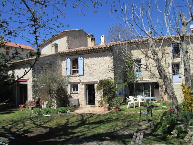Maison en pierre du XVIIIe siècle - Montfuron - House