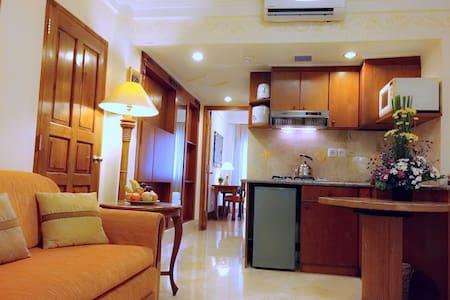 1BR Suite @ Club Bali Suites Legian - Legian, Kuta - Appartamento