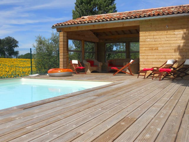 Charming house with heated pool - Dignac - Casa