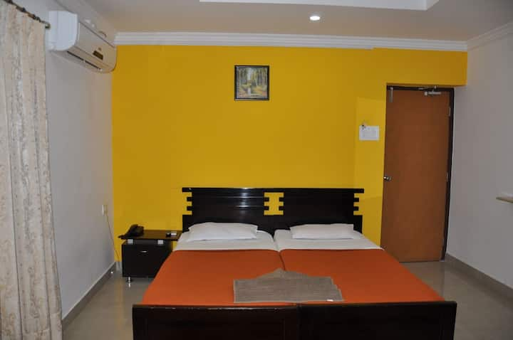 Executive A/C Room in heart of Hyd