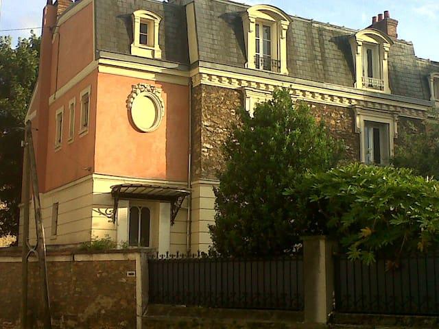 Meulière bourgeoise de charme - Corbeil-Essonnes
