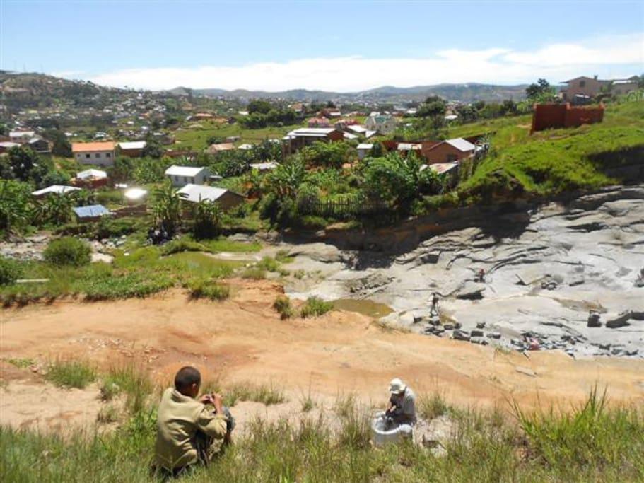 Kleine Steinbrüche sind typisch für die Gegend