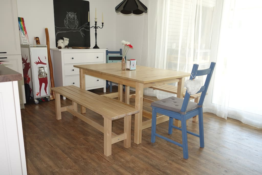 Essbereich offen zur Küche und zum Wohnzimer