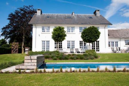 Geweldige villa met zwembad -  4910 Theux   ( Oneux)