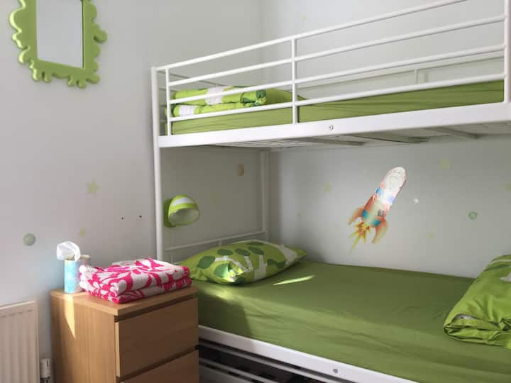 Bunkbed room.