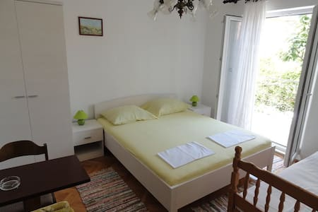 Bed and Breakfast - GRADAC