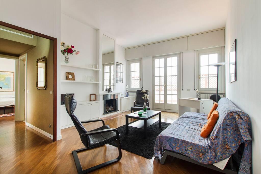 Nuovo appartamento con terrazzo in centro appartamenti for Appartamenti affitto milano centro