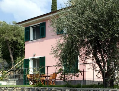 Charming home near beach & center - Zoagli - Vila