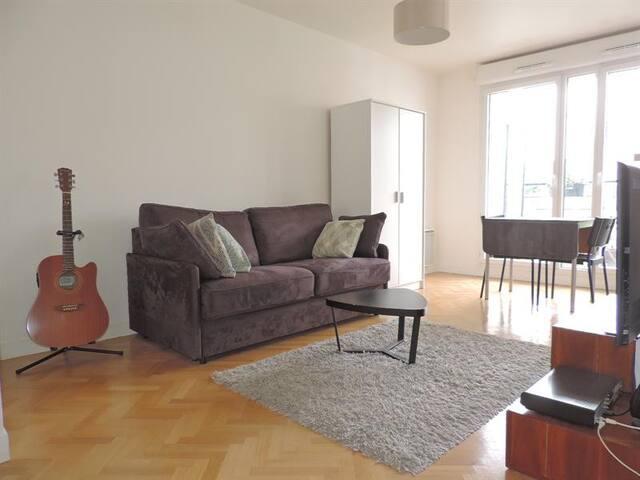 Studio 26m² dans immeuble récent - Saint-Cyr-l'École - Pis