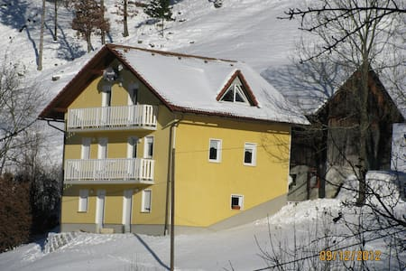 APARTMA PRI MILKI - Cerkno - 아파트
