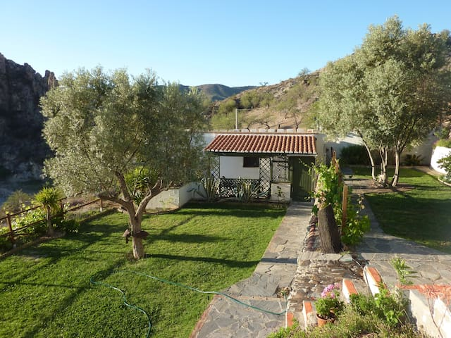 Cottage on 2acre finca with swimming pool & views