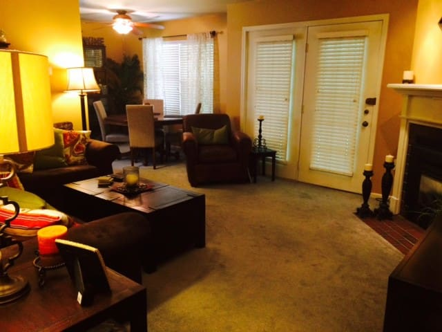 Condo close to PATCO for Pope visit - Cherry Hill
