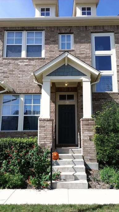 3BD Row Home in Heart of City