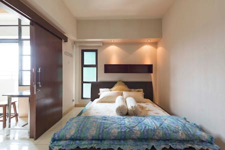 Homey 1 Bedroom Apartment at Central Jakarta