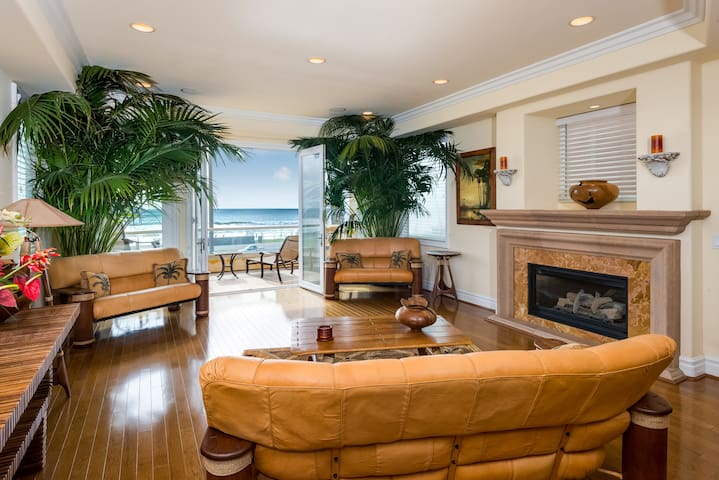 Huntington Beach Oceanfront: 114375 - ハンティントンビーチ - 別荘