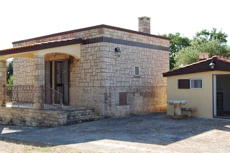 Elegante dimora in pietra locale - Noci - Haus