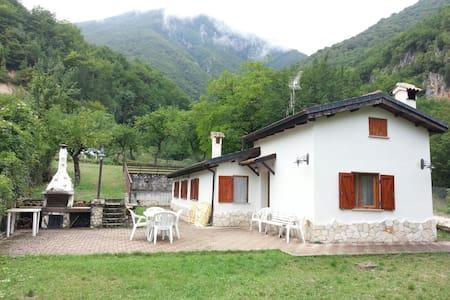 Villa a due passi dal lago Scanno - Scanno - Vila