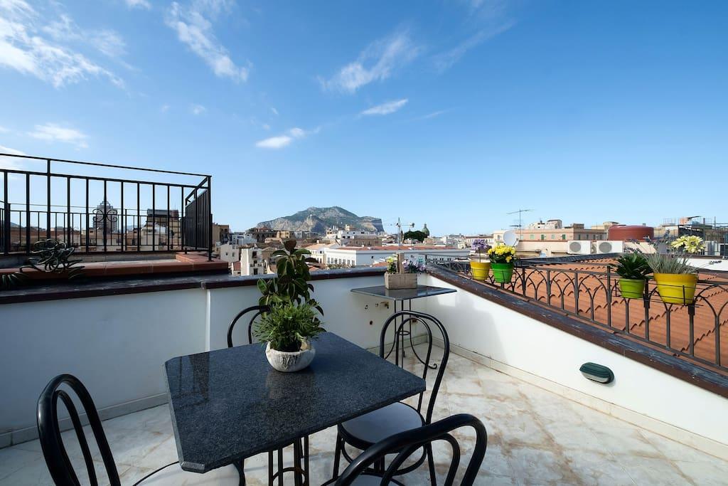 Terrazza del celso appartamenti in affitto a palermo for Appartamenti arredati in affitto a palermo