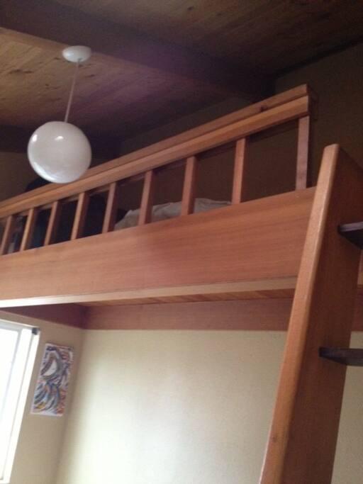 sleepng loft in bedroom
