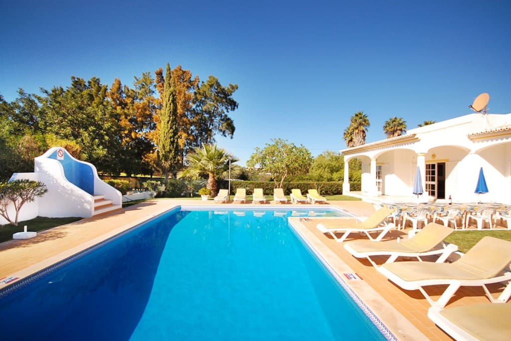 Spacious 2 wing single storey villa (ideal for 2 families)with large garden and beautiful pool area.