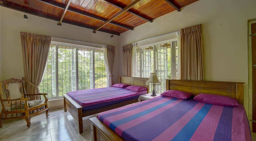 Hanthana Holiday Rooms - Standard Family Room