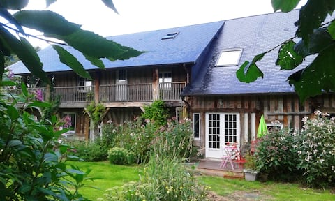 Bed and Breakfast Normandy pastel