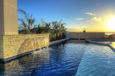 Elegante Apartamento Vista Mar - Florianópolis
