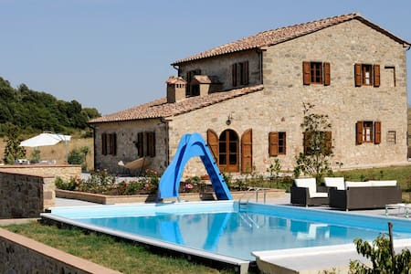 Beautiful pool villa and panorama view - Tuscany