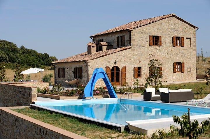 Beautiful pool villa and panorama view - Tuscany