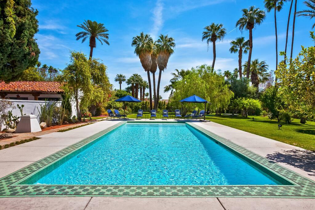 La chureya 113353 villas for rent in palm springs for Exotic motors palm springs