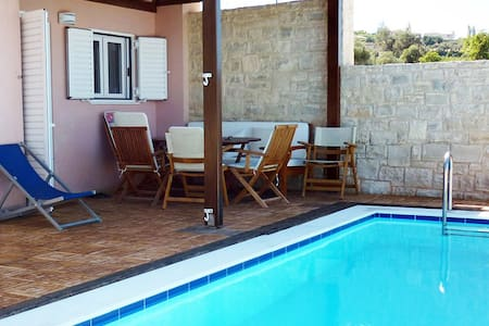 Villa with private swimming pool! - Rethimno