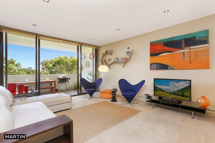 Zetland Large apartment, Room with view to Park.