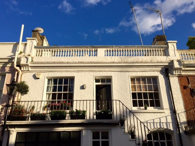 Spacious double in Private mews - Londres - Casa