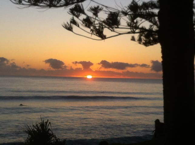 Beautiful Burleigh Heads - Burleigh Heads - Villa