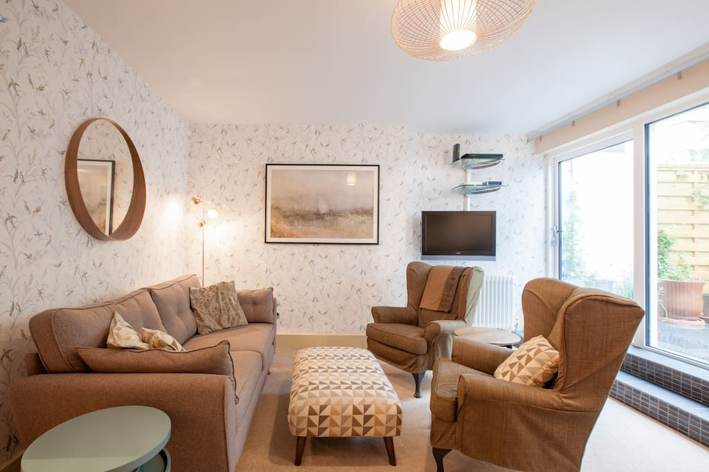 Stylish 4 Bed Home Walk To City Sights Zone 1 Apartments For Rent In London London United