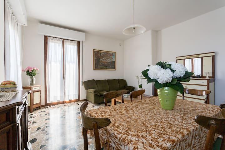 Quiet Apartment Orchidea with wi-fi - San Felice del Benaco - Flat