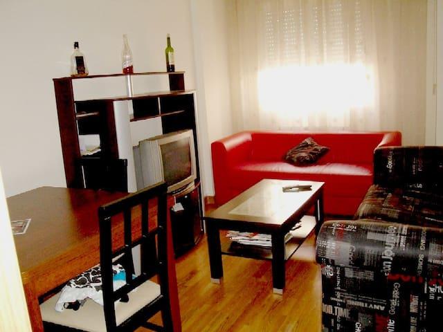 """habitación """"3""""  piso compartido SOLO CHICAS DR 33"""