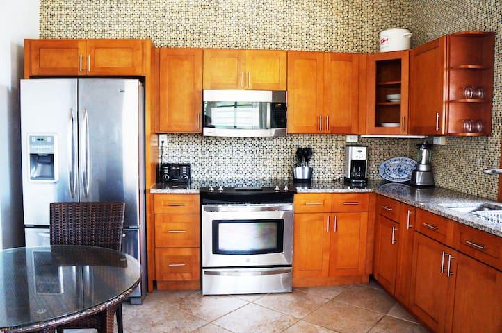 Casa Roja - Coral Two Bedroom