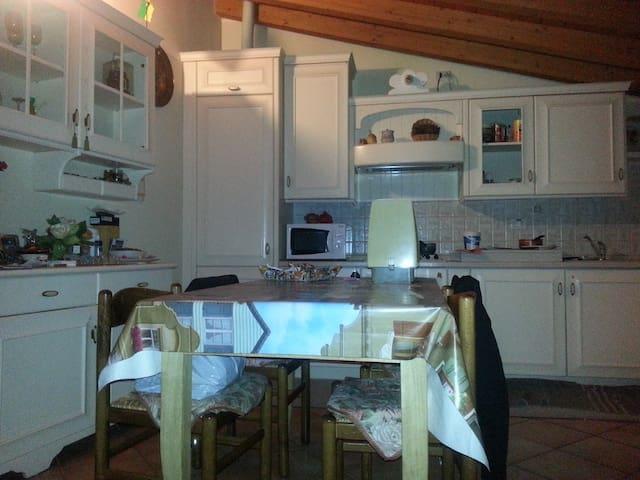trilocale accogliente - Villa d'Adda - Lägenhet