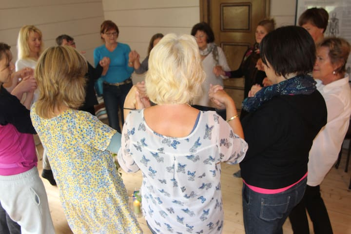 On the 5-7th September we organize introduction course in the Rosen method body work. Popular event - Once a year only!