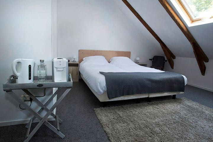 """Champagne""kamer in B&B Oosterbroek - Noordbroek - Bed & Breakfast"