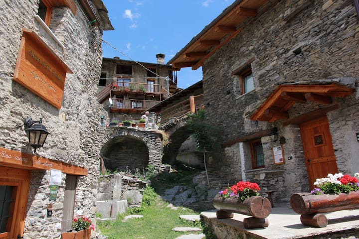 Camere per vacanze, B&B, Agriturism - STROPPO - Inap sarapan