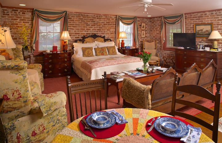 Gorgeous private, restful suite